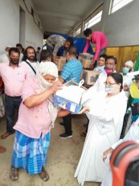 Brahma Kumaris Moranhat Distribute Rations to Laborers